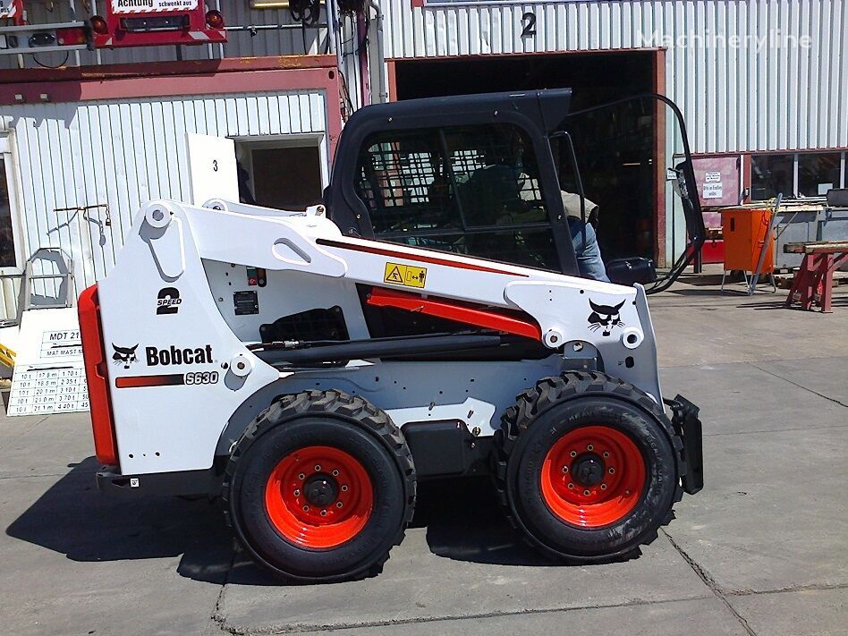 nov mini nakladač BOBCAT S630