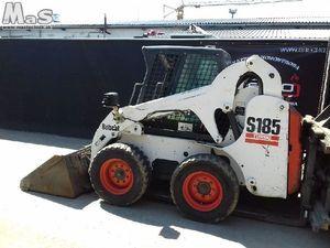 nakladalec na kolesih BOBCAT S185 diesel