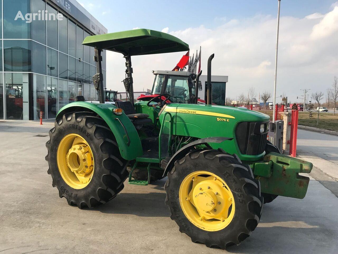 traktor na kolesih JOHN DEERE 5075 E