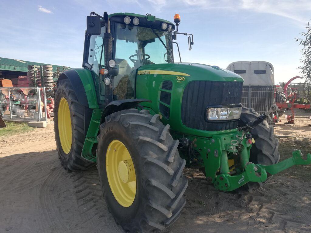 traktor na kolesih JOHN DEERE 7530 PREMIUM