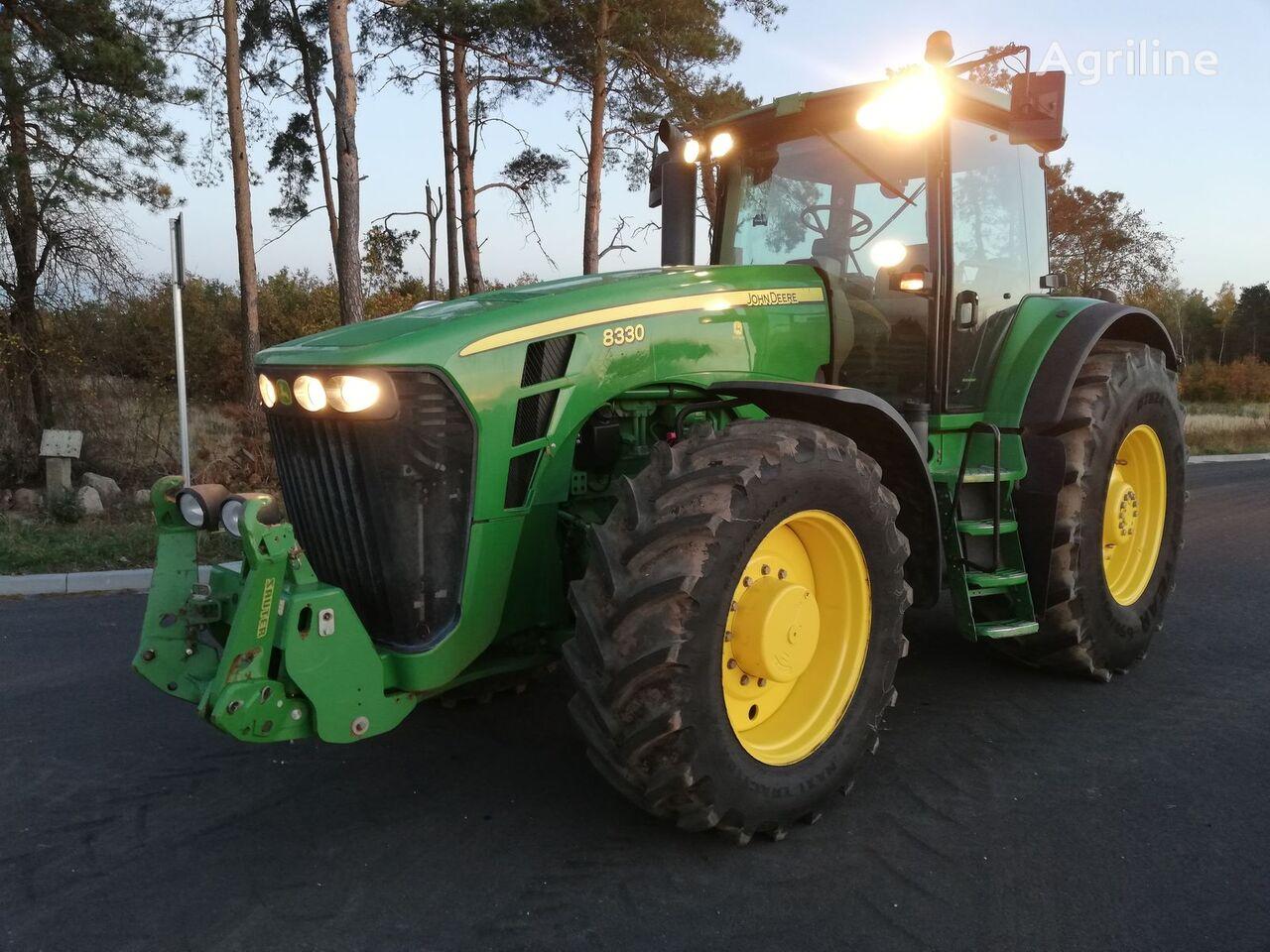 traktor na kolesih JOHN DEERE 8330