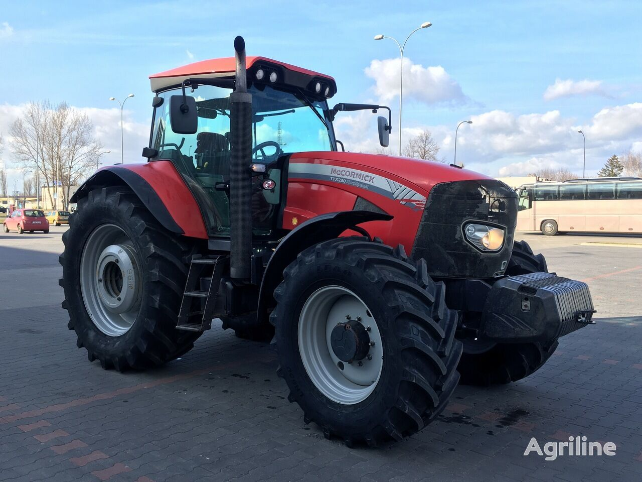 traktor na kolesih MCCORMICK TTX 230 XTRASPEED