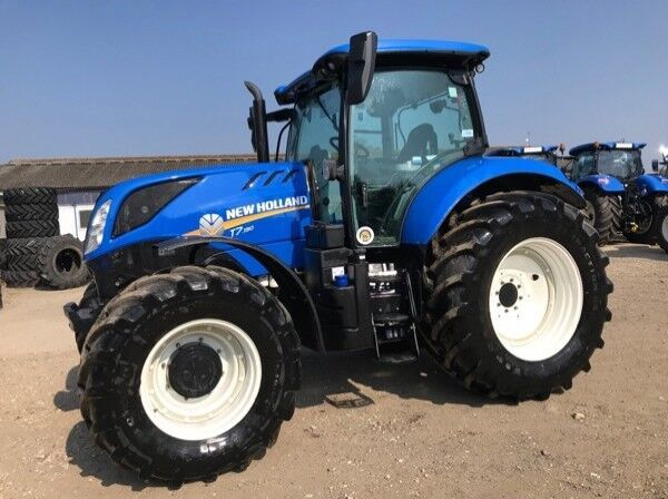 traktor na kolesih NEW HOLLAND T7.190 Range Command