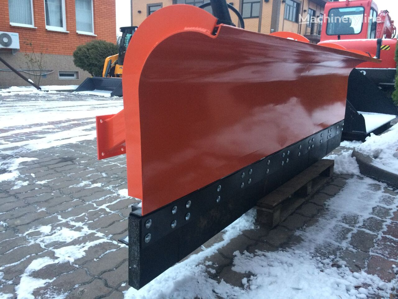 nova snežni plug MANITOU