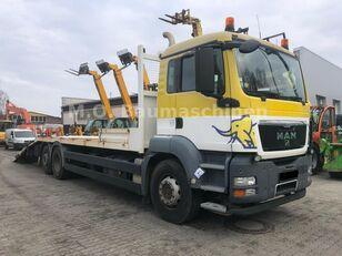 tovornjak avtotransporter MAN TGS 26.360 6x2 Járműszállító Csörlővel és Rámpával
