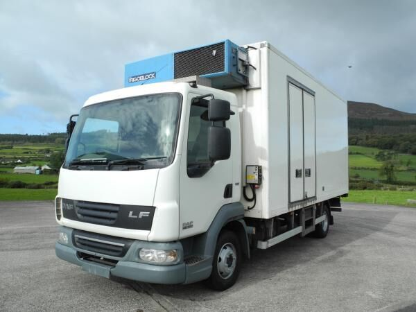 tovornjak hladilnik DAF LF 45 160