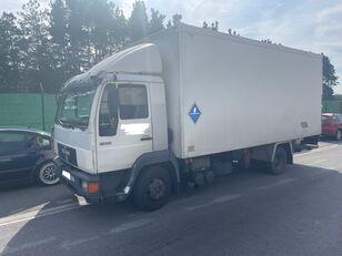 tovornjak izotermičen MAN 11.224 ISOTERMO  PUERTA ELEVADORA