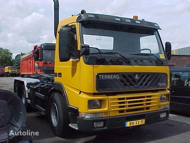 tovornjak kabelski sistem TERBERG FM1450-WDGL 6x4