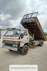 tovornjak prekucnik TOYOTA Dyna 300 14B 3.6 diesel left hand drive 7.5 ton