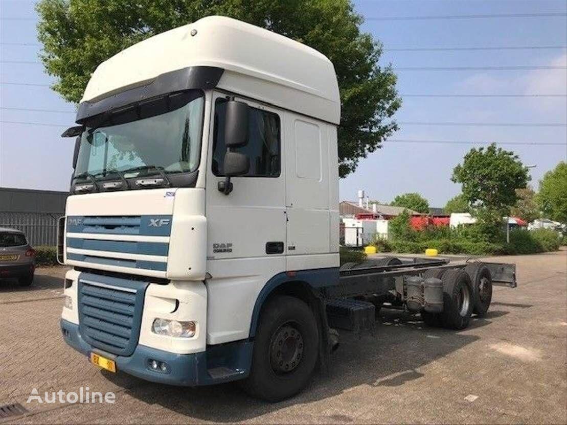 tovornjak šasija DAF 105XF 460 SUPER SPACE CAB EURO 5 6X2