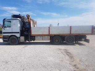 tovornjak tovorna ploščad MERCEDES-BENZ 1831 L