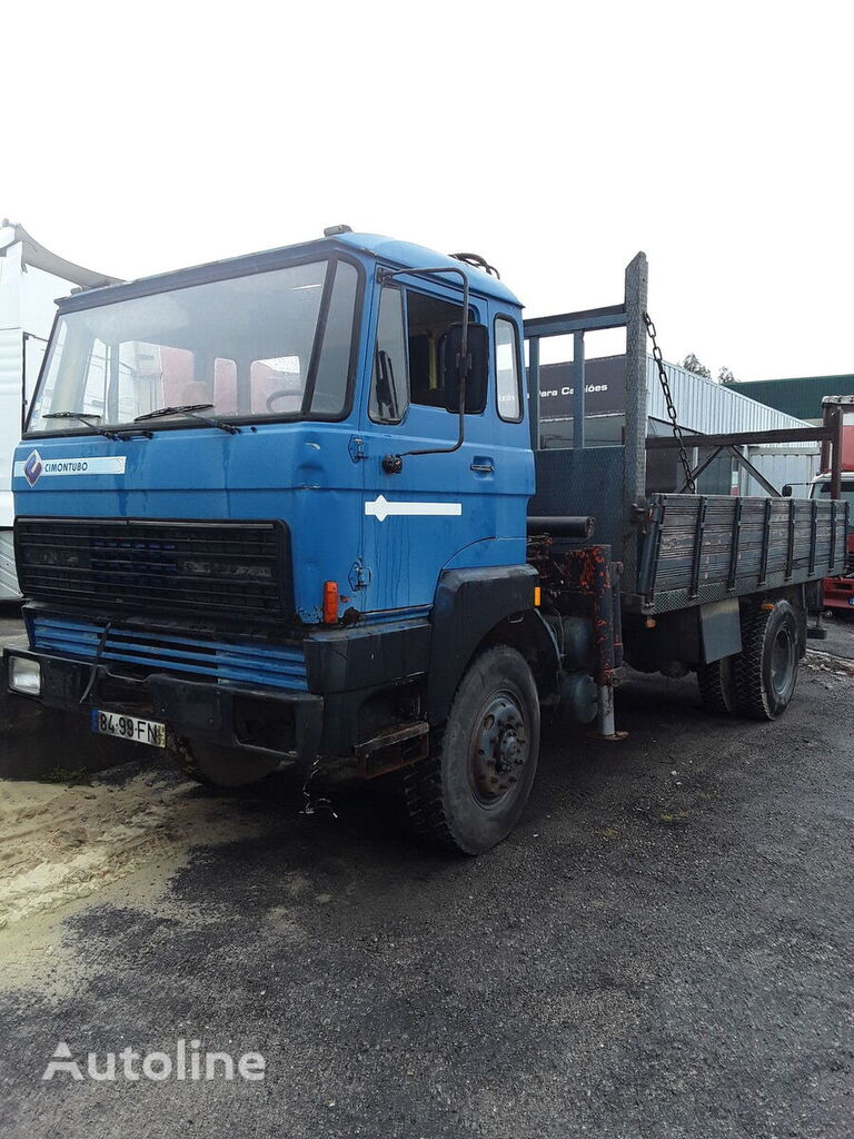 tovornjak tovorna ploščad DAF 1700