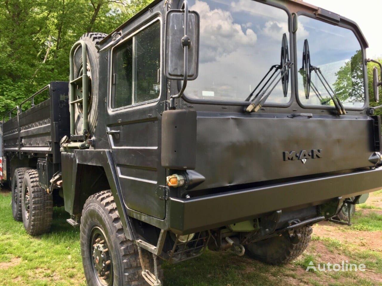 tovornjak tovorna ploščad MAN KAT1 6x6 FLAT BED TRUCK (LHD)