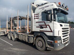 tovornjak za prevoz lesa SCANIA R560
