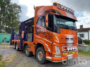 tovornjak za prevoz lesa VOLVO FH13