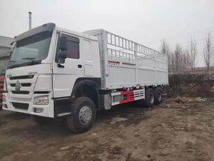 tovornjak zabojnik HOWO Cargo truck