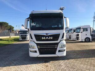 tovornjak zabojnik MAN TGX 26.470 LAMBERET
